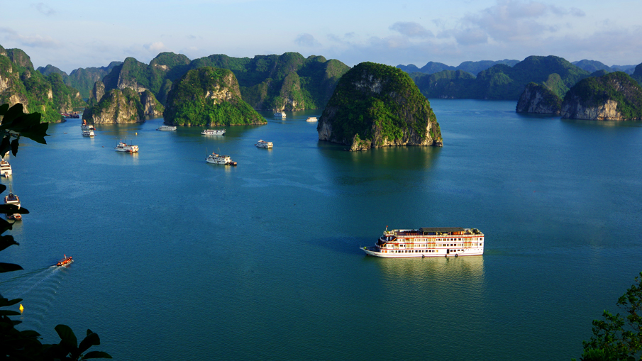 BEST-SELLING HANOI & HA LONG BAY PACKAGE (SAVE UP TO 20%)