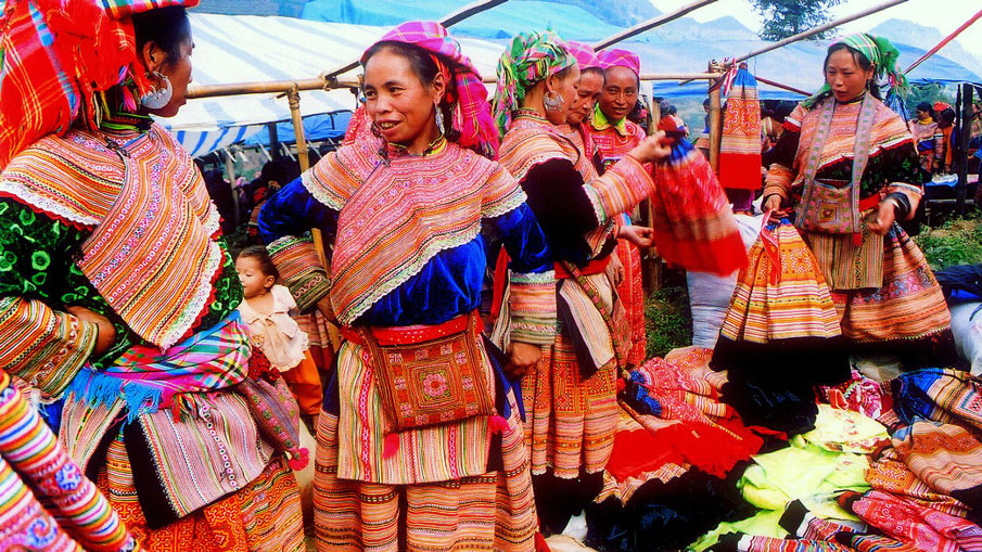 FULL DAY TO BAC HA MARKET TOUR ON SUNDAY